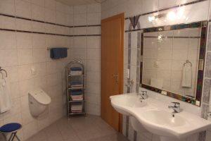 Badezimmer Ferienwohnung 130m² Waschbecken